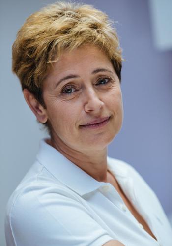Dr Nefissa Berkani - Dentiste Paris 9